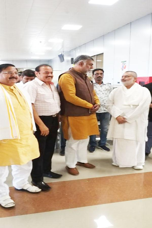 Brahmachari Girish Ji met and greeted honourable Minister of Culture and Tourism, Government of India Shri Prahlad Patel ji. Shri Ajay Grover and Shri Arvind Singh Rajpoot accompanied.