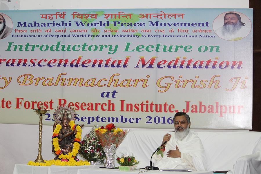 Brahmachari Girish Ji has given introductory talk on Transcendental Meditation at State Forest Research Institute, Madhya Pradesh. Scientists, Research Scholars and Staff has attended with other dignitaries of the city.