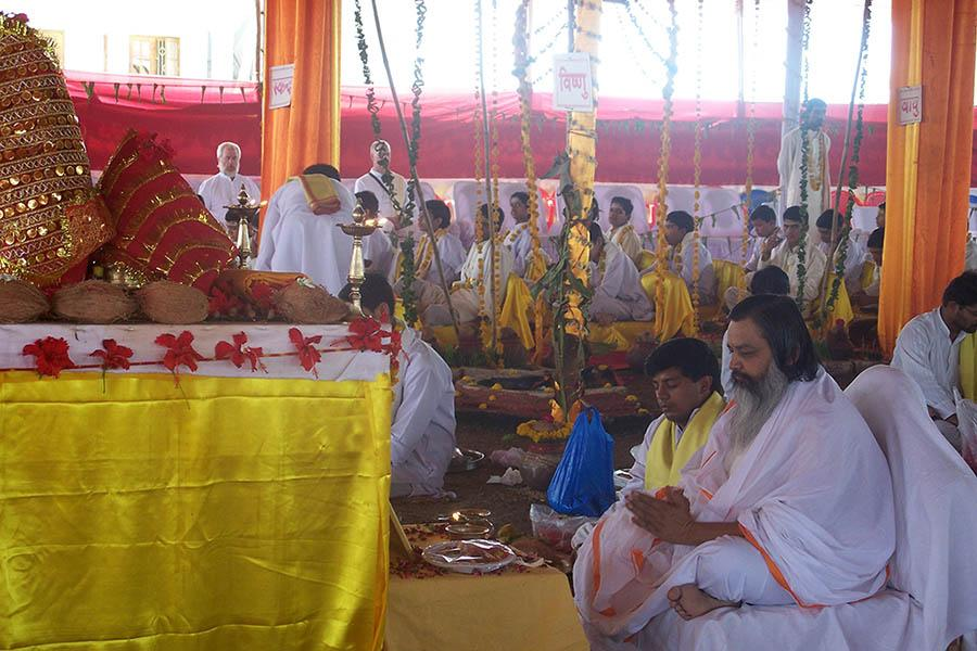 On first day of Chaitra Navararti 2009 Shri Lakshchandi Mahayagya sankalpa was taken by Brahmachari Girish Ji at Gurudev Brahmanand Saraswati Ashram, Chhan, Bhopal. Since then 4 Shri Lakshchandi Mahayagyas have completed and 5th one is continuing. In Lakshchandi Yagya 1,00,000 paath (chanting) of
