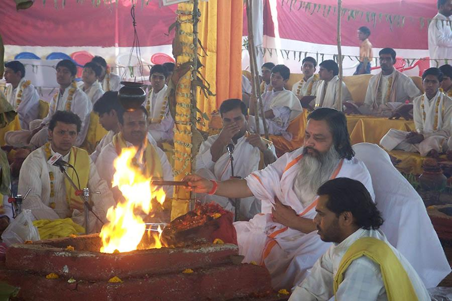 On first day of Chaitra Navararti 2009 Shri Lakshchandi Mahayagya sankalpa was taken by Brahmachari Girish Ji at Gurudev Brahmanand Saraswati Ashram, Chhan, Bhopal. Since then 4 Shri Lakshchandi Mahayagyas have completed and 5th one is continuing. In Lakshchandi Yagya 1,00,000 paath (chanting) of Shri Durga Saptshati is done with 70,000 ahuties (offerings) in 9 Dhawan kunds (fire pits).