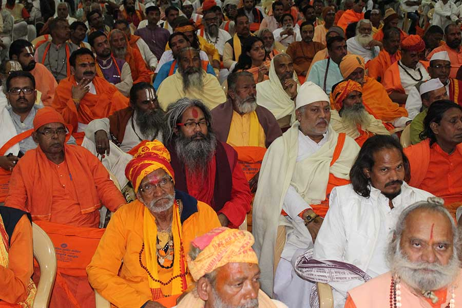 Sanyasies and large number of participants at 3 days (23 to 25 December 2016) Dharma Sanskriti Mahakumbh organised by Peethadheeshwar of Shrinath Sampradaya Devnath Math, 1008 Acharya Jitendranath Ji Maharaj.